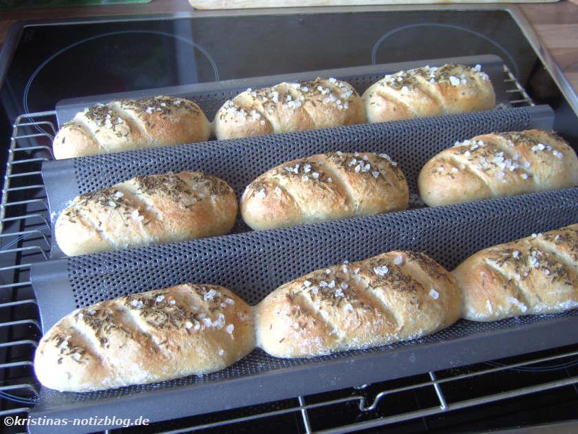 fertig gebackene Mini Baguettes