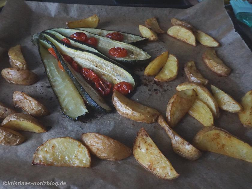 Zucchini-Tomaten-Fächer aus dem Backofen